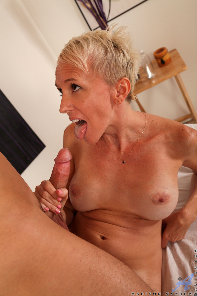 Milfs Fucking Shaved Cock