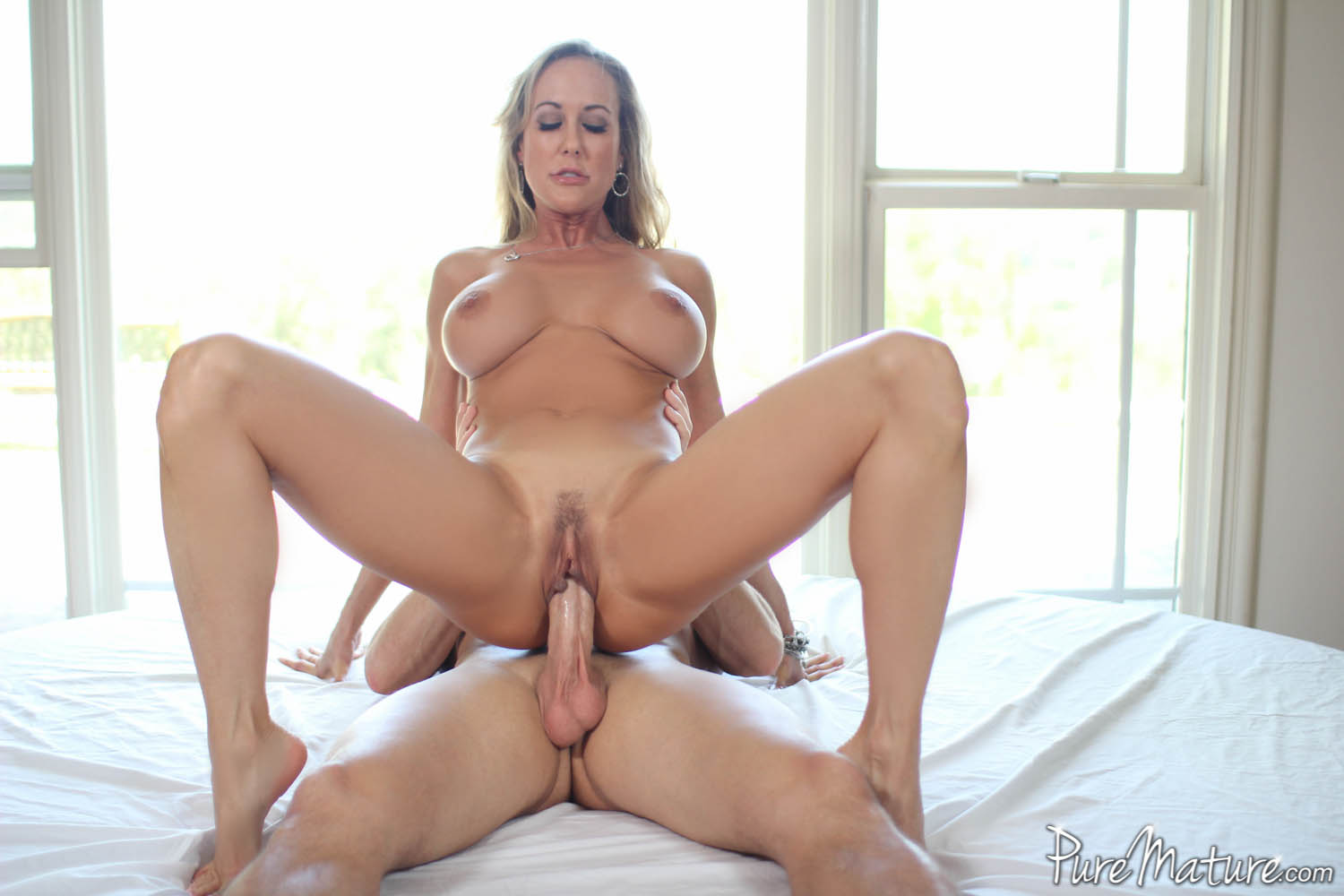 Turn busty milf fucked interracial video wird